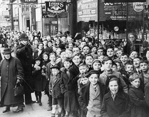 Cardiff - Wales「Children Queue」:写真・画像(10)[壁紙.com]