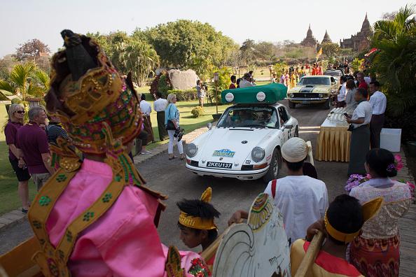 Land Vehicle「Singapore to Myanmar 24-Day Car Rally」:写真・画像(4)[壁紙.com]