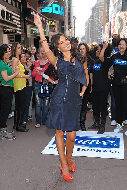 Sofia Vergara Joins Suave Professionals For Surprising New York Performance:ニュース(壁紙.com)