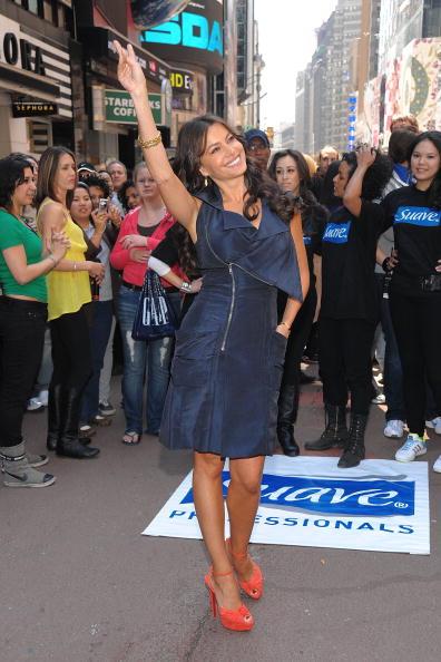 Suave「Sofia Vergara Joins Suave Professionals For Surprising New York Performance」:写真・画像(7)[壁紙.com]