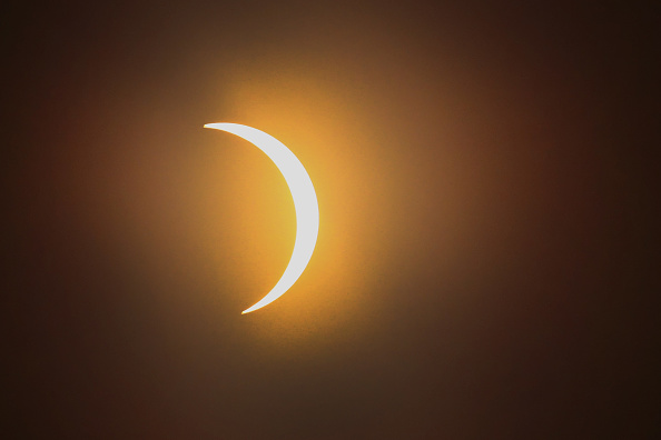 Solar Eclipse「Solar Eclipse Visible Across Swath Of U.S.」:写真・画像(13)[壁紙.com]