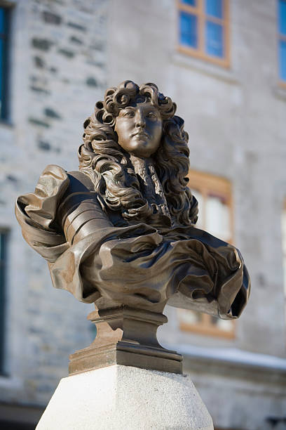 Canada, Quebec, Quebec City, Statue of King Louis XIV at Place Royale:スマホ壁紙(壁紙.com)