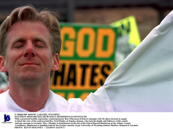 Effort「With A Practiced Beatific Expression Counterprotestor Ron Wilcoxson Of Denver」:写真・画像(11)[壁紙.com]