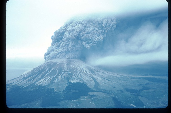 Mountain「Mount Saint Helens Blows Her Top」:写真・画像(4)[壁紙.com]