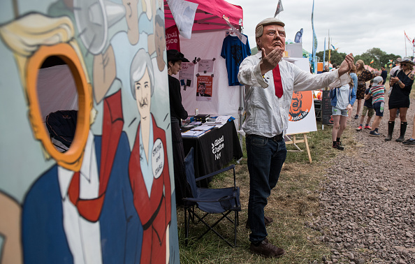 Pilton「Jeremy Corbyn Makes A Guest Appearance At Glastonbury Festival」:写真・画像(4)[壁紙.com]