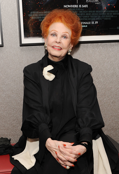 Arlene Dahl「Academy Of Motion Picture Arts & Science Theater Grand Re-Opening Ribbon Cutting Ceremony」:写真・画像(7)[壁紙.com]