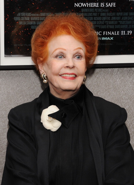 Arlene Dahl「Academy Of Motion Picture Arts & Science Theater Grand Re-Opening Ribbon Cutting Ceremony」:写真・画像(17)[壁紙.com]
