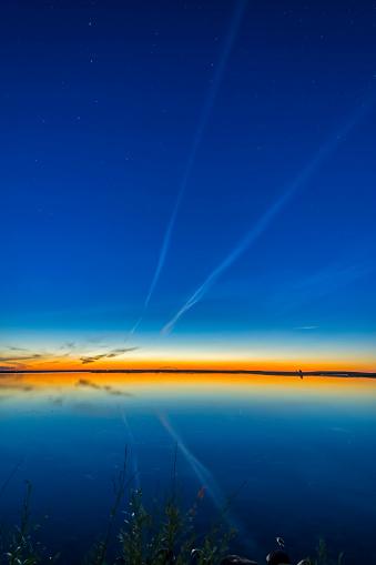Multiple Exposure「Summer solstice twilight at Crawling Lake in southern Alberta, Canada.」:スマホ壁紙(18)