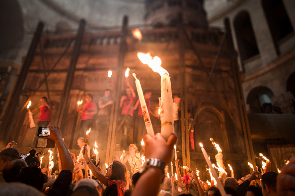 Spirituality「Thousands Of Pilgrims Gather In Jerusalem For The Ceremony Of The Holy Fire」:写真・画像(1)[壁紙.com]