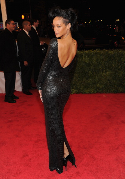 ドレス「'Schiaparelli And Prada: Impossible Conversations' Costume Institute Gala」:写真・画像(19)[壁紙.com]