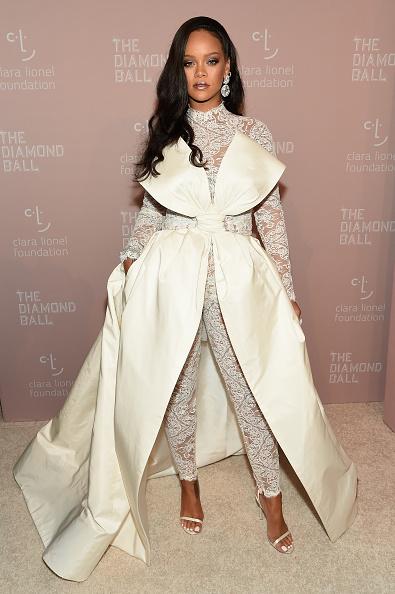 Full Length「Rihanna's 4th Annual Diamond Ball Benefitting The Clara Lionel Foundation - Arrivals」:写真・画像(5)[壁紙.com]