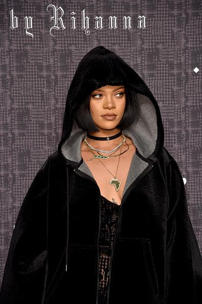 上半身「FENTY PUMA by Rihanna AW16 Collection - Arrivals - Fall 2016 New York Fashion Week」:写真・画像(13)[壁紙.com]