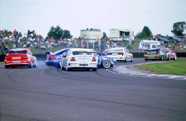 Journey「1998 British Touring Car Race. Thruxton 1998」:写真・画像(5)[壁紙.com]