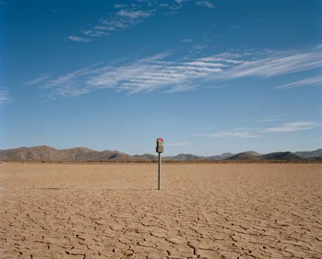 Parking Meter「Expired parking meter in desert」:スマホ壁紙(19)