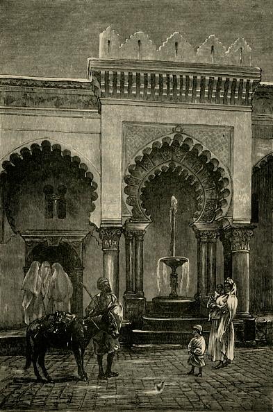 Fountain「Colonnade Of The Mosque Of Djamaa-El-Kebir」:写真・画像(0)[壁紙.com]