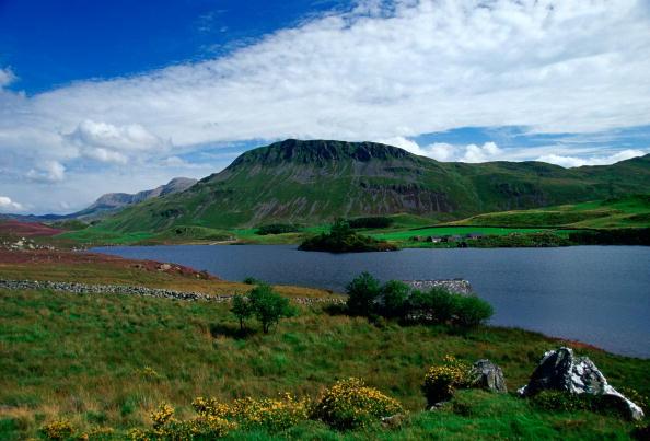 Copy Space「Cader Idris Mountain, Wales, UK」:写真・画像(1)[壁紙.com]