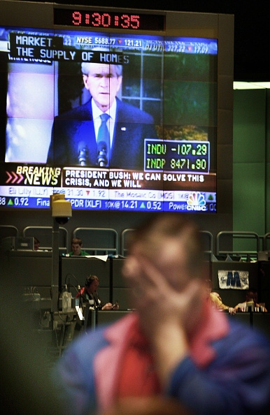Finance「Markets Open Day After Dow Closes Below 6,800」:写真・画像(11)[壁紙.com]