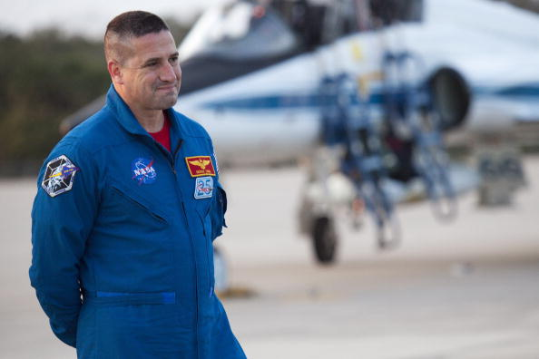 Magic Kingdom「Endeavour Astronauts Arrive At KSC For Pre-Launch Tests」:写真・画像(6)[壁紙.com]