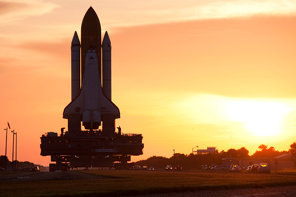 Matt Stroshane「Shuttle Discovery Rolled Out To Launch Pad For Liftoff In Two Weeks」:写真・画像(10)[壁紙.com]