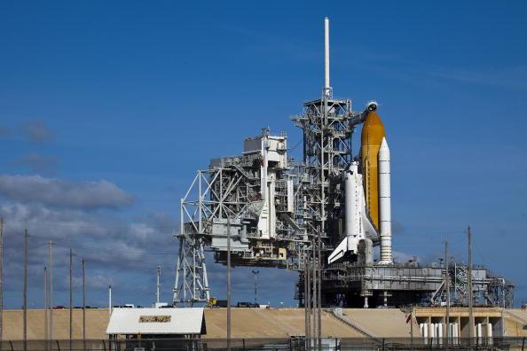 Matt Stroshane「NASA Prepares For Launch Of Space Shuttle Discovery」:写真・画像(7)[壁紙.com]