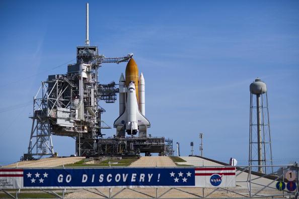 Matt Stroshane「NASA Prepares For Launch Of Space Shuttle Discovery」:写真・画像(17)[壁紙.com]