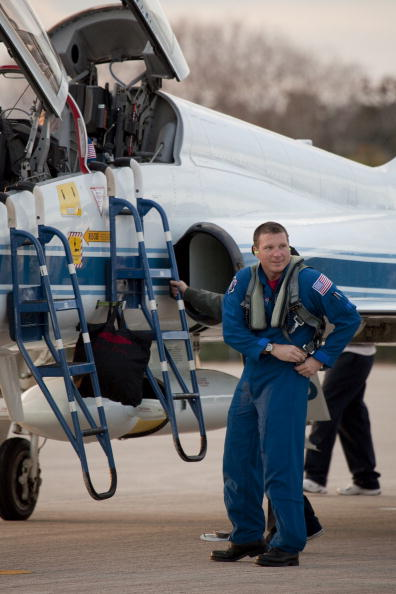 Magic Kingdom「Endeavour Astronauts Arrive At KSC For Pre-Launch Tests」:写真・画像(15)[壁紙.com]