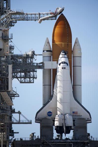 Space Shuttle Endeavor「NASA Prepares For Launch Of Space Shuttle Endeavour」:写真・画像(4)[壁紙.com]