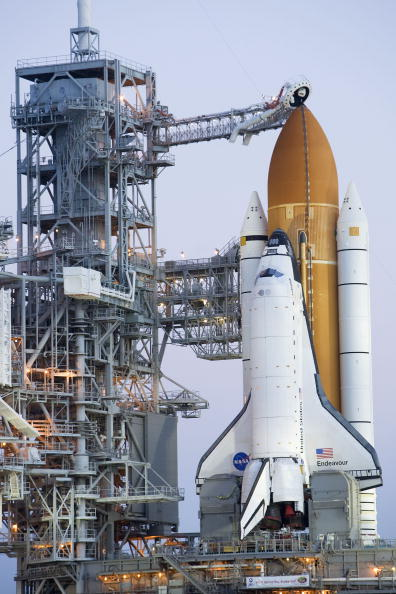 Kibo - ISS Module「Space Shuttle Endeavour Rolls Out To Launch Pad」:写真・画像(11)[壁紙.com]