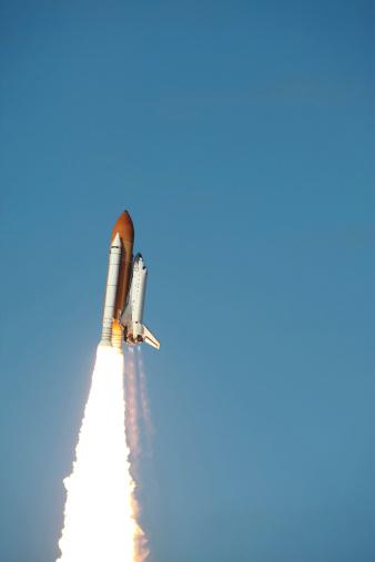 打ち上げロケット「Space Shuttle Atlantis lifts off from Kennedy Space Center, Florida.」:スマホ壁紙(19)