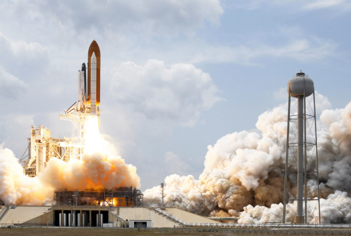 Gulf Coast States「Space Shuttle Atlantis lifts off from its launch pad.」:スマホ壁紙(5)