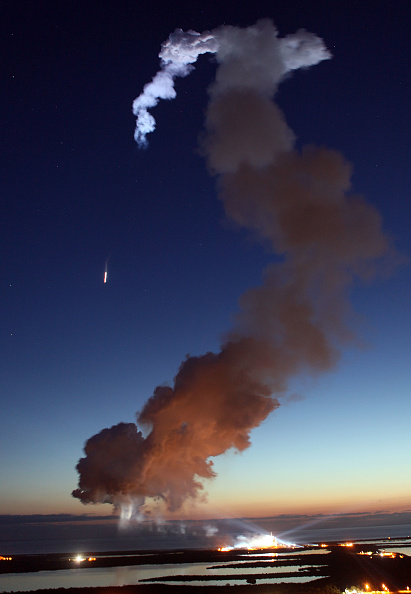 Space Shuttle Discovery「Space Shuttle Discovery Blasts Off From Kennedy Space Center」:写真・画像(18)[壁紙.com]