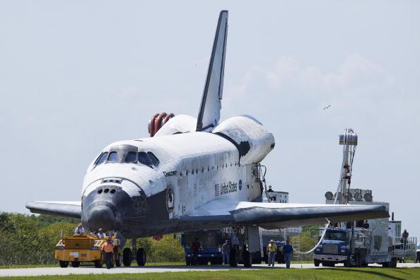 Matt Stroshane「Space Shuttle Discovery Lands At Kennedy Space Center」:写真・画像(6)[壁紙.com]