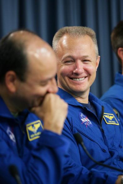 Space Shuttle Endeavor「Space Shuttle Endeavour Returns To Kennedy Space Center」:写真・画像(8)[壁紙.com]