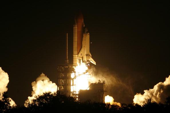 Space Shuttle Endeavor「NASA Launch Of Space Shuttle Endeavour」:写真・画像(17)[壁紙.com]