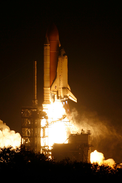 Space Shuttle Endeavor「NASA Launch Of Space Shuttle Endeavour」:写真・画像(2)[壁紙.com]