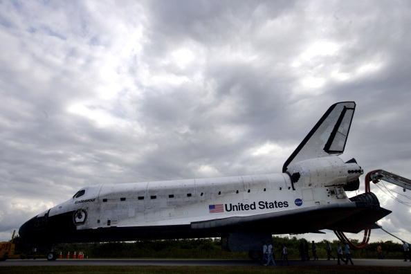 Space Shuttle Endeavor「Space Shuttle Endeavour Returns To Earth」:写真・画像(16)[壁紙.com]