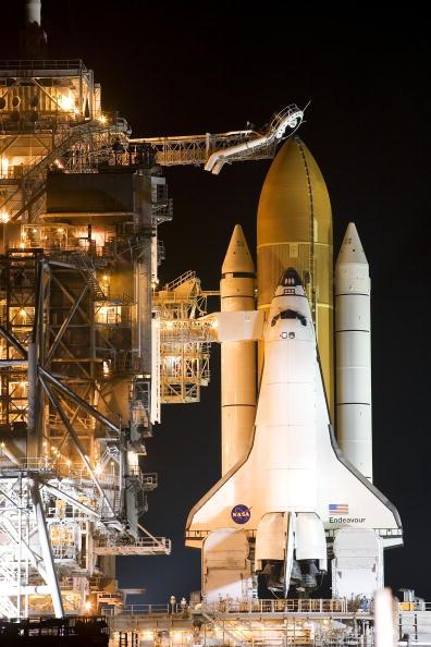 Space Shuttle Endeavor「NASA Prepares For Endeavour Lift-Off」:写真・画像(0)[壁紙.com]