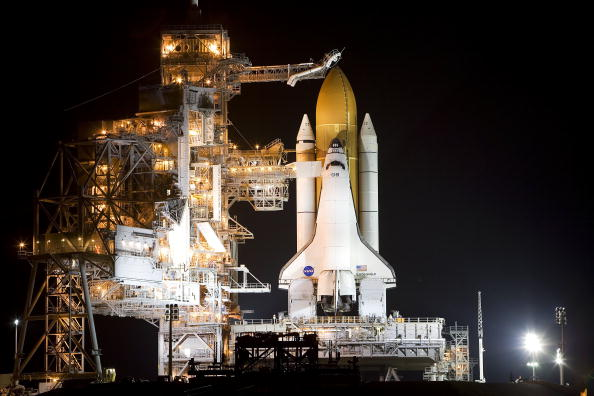 Space Shuttle Endeavor「NASA Prepares For Endeavour Lift-Off」:写真・画像(17)[壁紙.com]