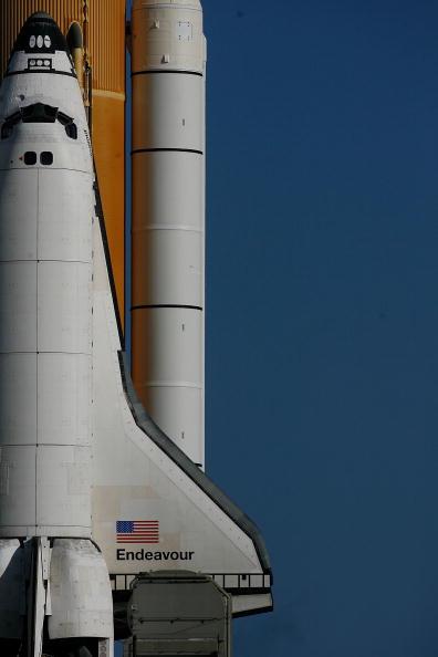 Space Shuttle Endeavor「NASA Prepares For Launch Of Space Shuttle Endeavour」:写真・画像(10)[壁紙.com]