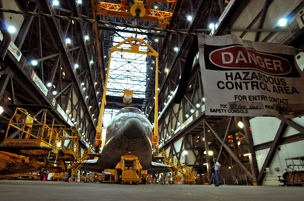 Vehicle Assembly Building「Shuttle Atlantis Is Prepared For Its Final Launch In July」:写真・画像(12)[壁紙.com]