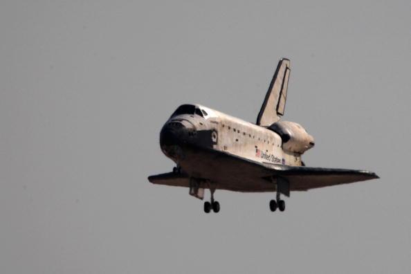 Hubble Space Telescope「Space Shuttle Atlantis Returns From Hubble Mission」:写真・画像(18)[壁紙.com]