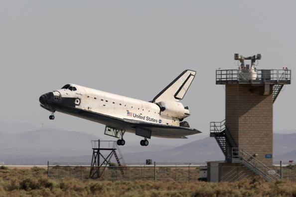 Hubble Space Telescope「Space Shuttle Atlantis Returns From Hubble Mission」:写真・画像(19)[壁紙.com]