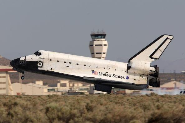 Hubble Space Telescope「Space Shuttle Atlantis Returns From Hubble Mission」:写真・画像(17)[壁紙.com]