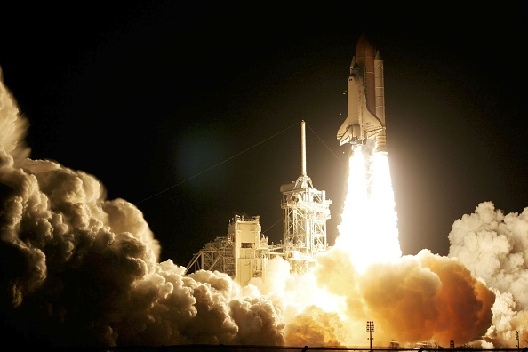 Eliot J「Space Shuttle Discovery Launches On Mission To Space Station」:写真・画像(13)[壁紙.com]