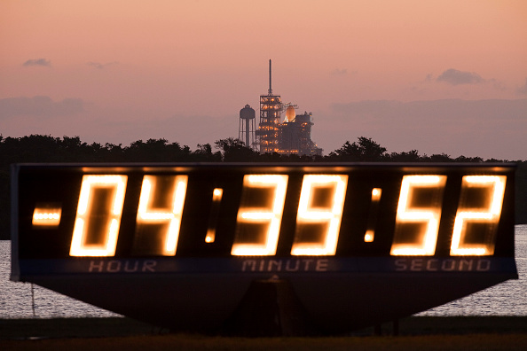 Taking Off - Activity「NASA Prepares For Launch Of Space Shuttle Atlantis」:写真・画像(14)[壁紙.com]