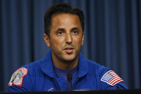 Matt Stroshane「Space Shuttle Discovery Returns To Kennedy Space Center」:写真・画像(6)[壁紙.com]