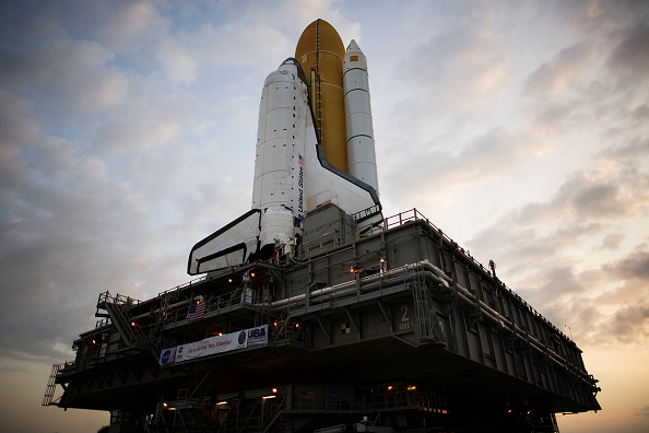Hubble Space Telescope「Space Shuttle Atlantis Is Moved To Launch Pad Ahead Of Mission」:写真・画像(17)[壁紙.com]