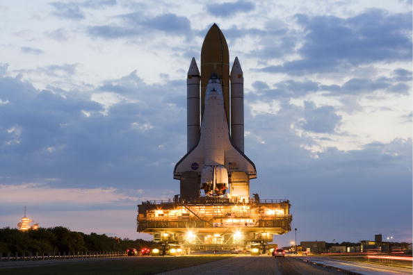 Hubble Space Telescope「Space Shuttle Atlantis Is Moved To Launch Pad Ahead Of Mission」:写真・画像(16)[壁紙.com]