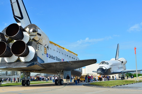 Vehicle Assembly Building「NASA Space Shuttles Endeavour And Atlantis Switch Locations At Kennedy Space Center」:写真・画像(11)[壁紙.com]