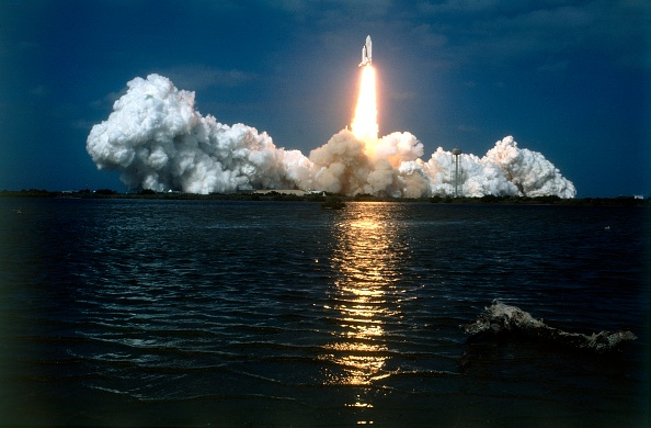 Space Shuttle「Space Shuttle Columbia Lifting Off,」:写真・画像(18)[壁紙.com]